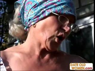 Уродливые волосатая бабушка ебет